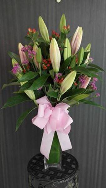 Picture of VA003 - Vase Arrangement