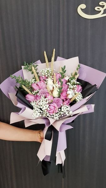 Picture of HB042 - Roses Bouquet